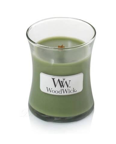 Vonná sviečka WoodWick Vôňa ihličia, 20 hodín horenia