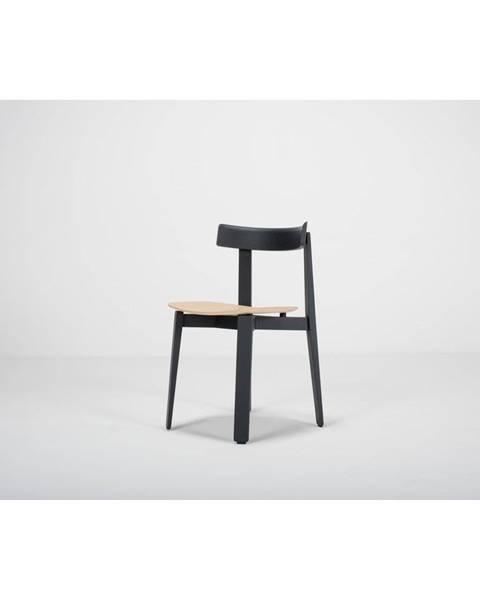 Gazzda Čierna jedálenská stolička z dubového dreva Gazzda Nora