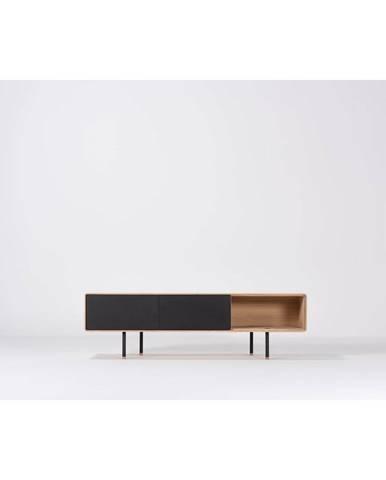 Čierny TV stolík z dubového dreva Gazzda Fina, šírka 160 cm
