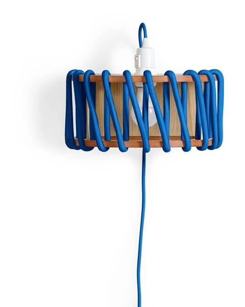 EMKO Modrá nástenná lampa s drevenou konštrukciou EMKO Macaron, šírka 30 cm
